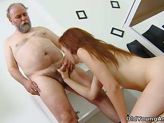 Old teacher knows how alongside discuss student Sveta alongside try anal intercourse for the first time